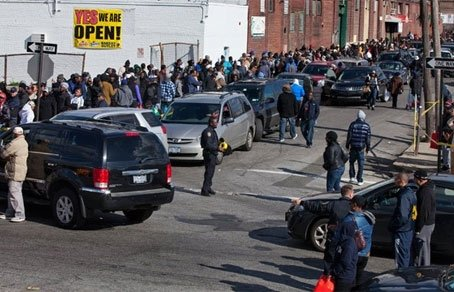 США. Водители «желтых такси» требуют заправку вне очереди.