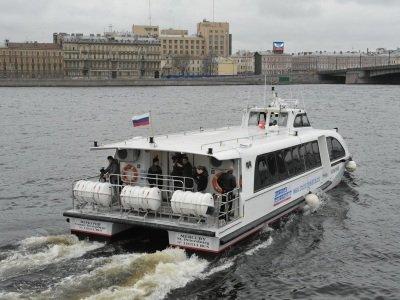 Водное такси в Петербурге: вот и приплыли