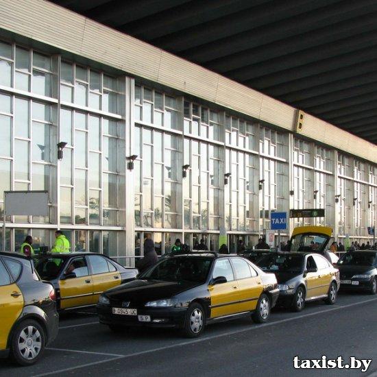 Таксисты Барселоны будут работать по новому графику