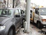 Авария в центре Минска: внедорожник вынесло на тротуар.