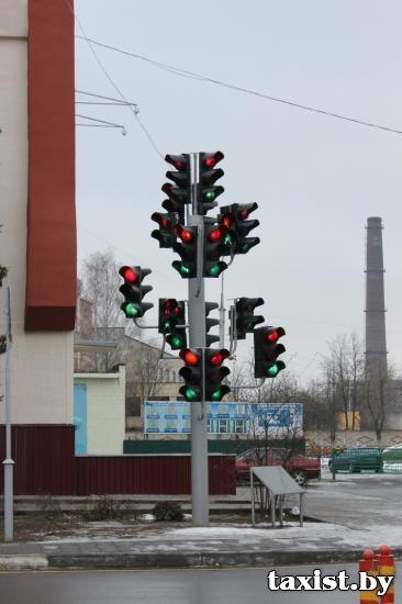 В Гомеле установили елку-светофор