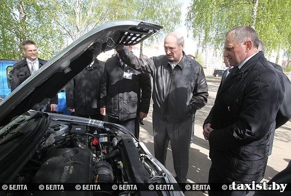 Президент лично протестировал новые автомобили Geely
